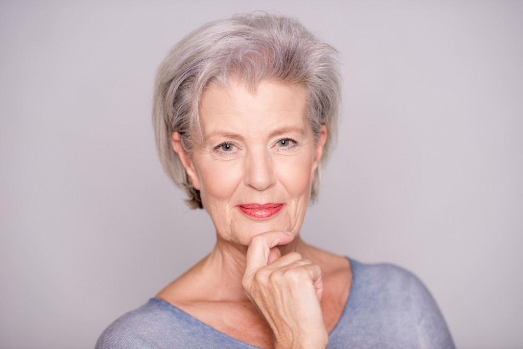 Haircuts that look gorgeous on older women