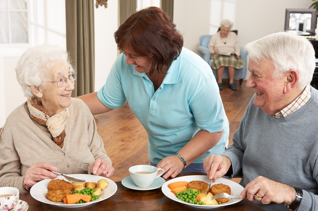 Proper Nutrition Tips for Seniors with Alzheimer's