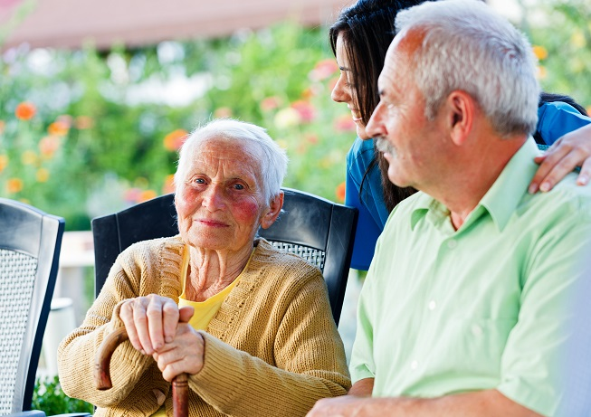 Ways to Connect with Seniors Suffering from Alzheimer's