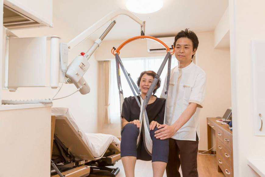 Swing Lift CoCoRo; japan care robot; carebot; technology; live your retirement