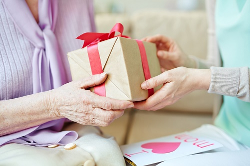 Gift Ideas for Senior Loved Ones on Mother's Day