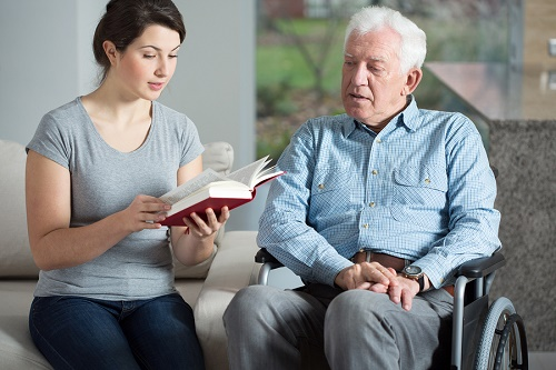 Things to Remember When Visiting a Senior Loved One