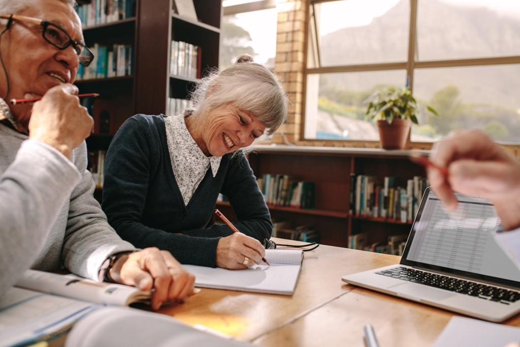 Tips For Seniors Autobiography That Readers Love